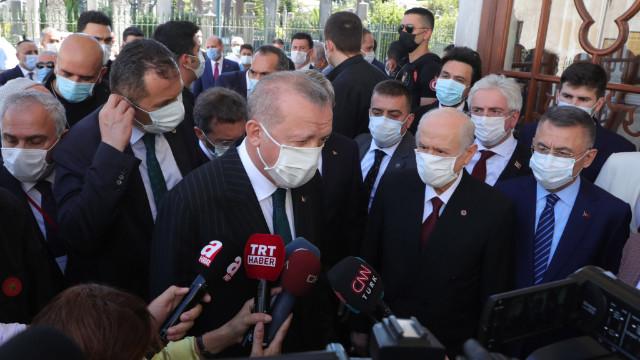 Cumhurbaşkanı Erdoğan ve Bahçeli, Fatih'in türbesine gitti