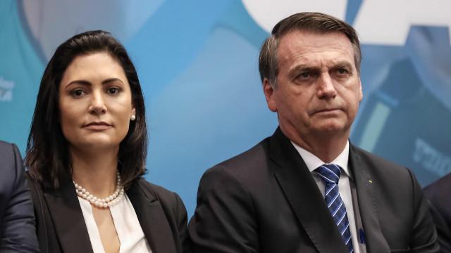 Bolsonaro'nun eşi de Covid-19'a yakalandı