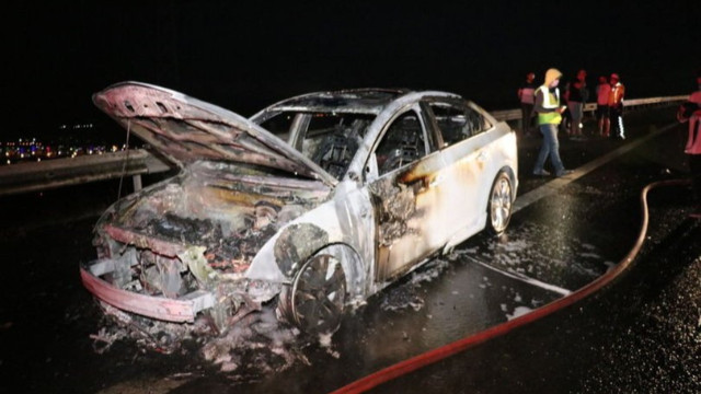 Anadolu Otoyolu'nda kaza! 3 araç birbirine girdi