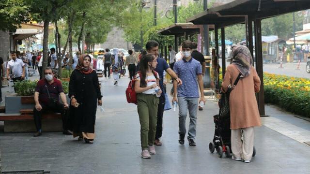 O şehirde bir günde 2 bin 768 kişiye sosyal mesafe cezası!