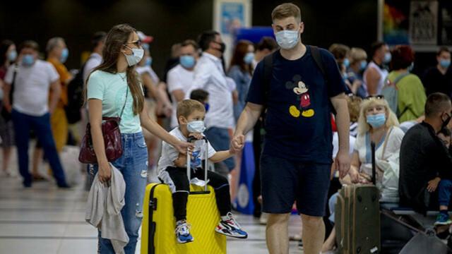 İlk kafile geldi! 519 Rus turist Antalya'da