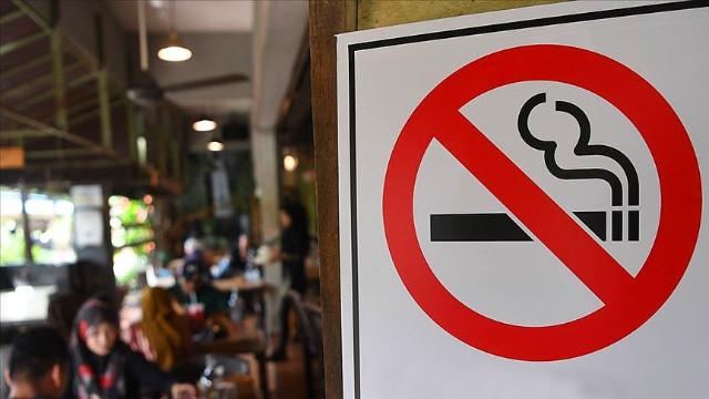 O şehirde açık alanda sigara içmek yasaklandı