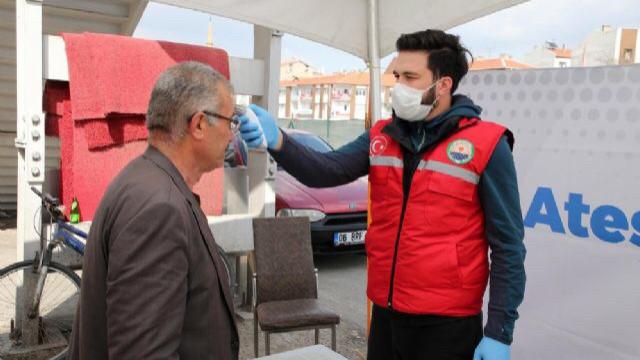 Prof. Dr. Mehmet Ceyhan'dan ateş ölçer yorumu: Yarardan çok zararı var