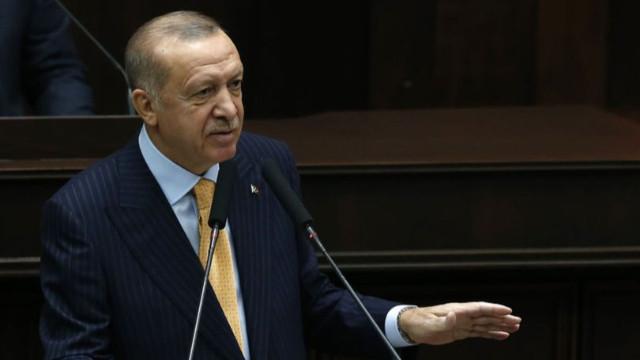 Erdoğan'dan Arıç'a tepki: Teröristlerden birinin kitabının tavsiye edilmesi beni rencide etmiştir