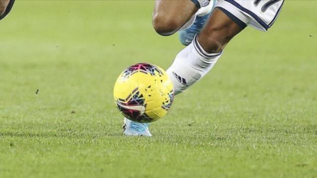 Manchester City, Aston Villa'yı deplasmanda 2-1'lik skorla geçti