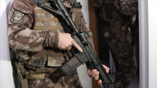 Adana'da DEAŞ'a yönelik operasyonda 3 şüpheli yakalandı