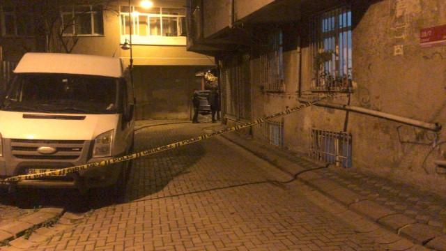 Zeytinburnu'nda 15 aylık bebek 2. kattan düştü