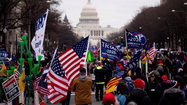 ABD'de Trump destekçileri Kongre Binası'na girdi