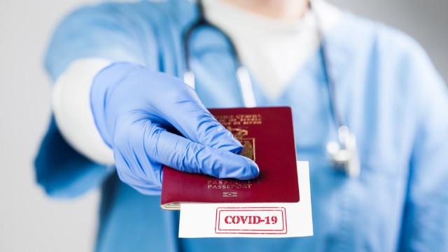 Uluslararası seyahatlerde 'aşı pasaportu şartı'