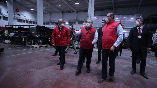 Bakan Varank: Dünyanın ilk tamamen biyodizel yakıtlı jeneratörlerini prototip olarak üretmişler