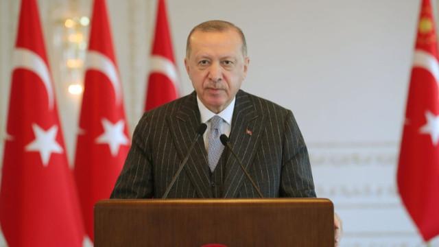 Erdoğan: Yaptığımız yollardan geleceğimiz geçiyor