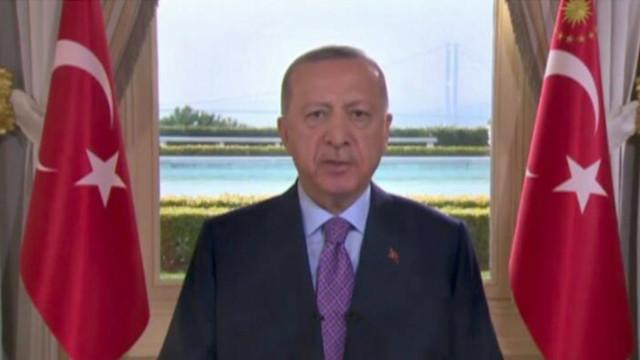 Erdoğan'dan 28 Şubat açıklaması: Her türlü engellemelere rağmen milletime hizmet ediyorum