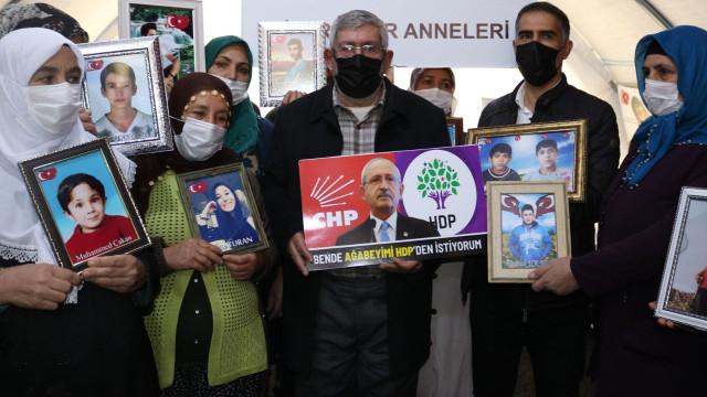 Kılıçdaroğlu'nun kardeşinden ailelere ziyaret: Ben de ağabeyimi HDP'den istiyorum