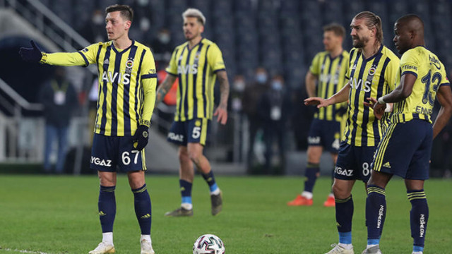 Fenerbahçe'de o isim kadro dışı bırakıldı