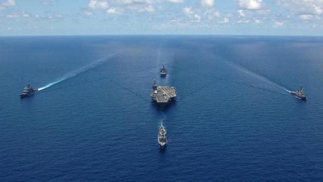Çin savaş gemileri Japon karasularına girdi