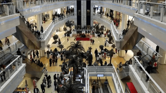 AVM ve mağazaların kapanış saati değişti