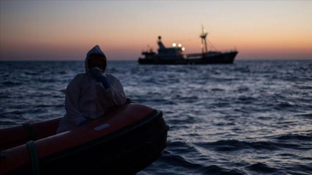 Akdeniz'de göçmen faciası: En az 100 kişi hayatını kaybetti