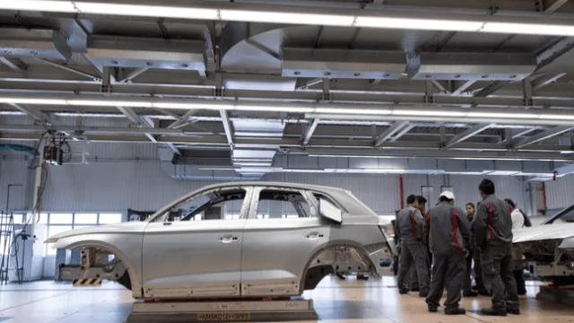 Toyota iki fabrikasında üretimi durdurdu