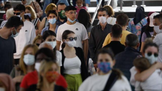 Bilim Kurulu Üyesi Taşova: Virüsün nasıl değişeceğini bilmiyoruz