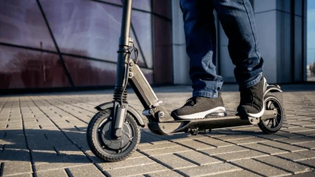 İstanbul'da elektrikli scooter kullanımına yeni düzenleme: Kaldırım yasağı getirildi