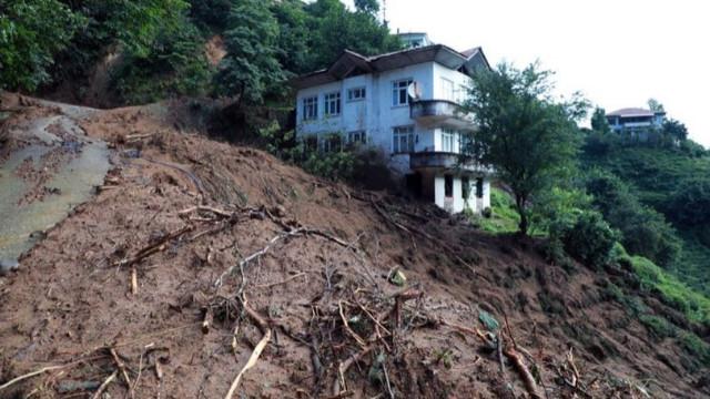 Rize'de sel felaketi! Ölü sayısı yükseliyor