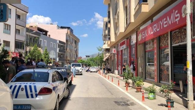 Bursa'da vahşet! Eşi ve kızına kurşun yağdırdı!