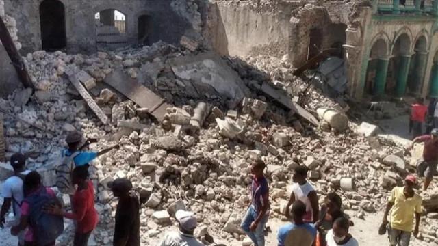Haiti depreminde ölenlerin sayısı giderek artıyor