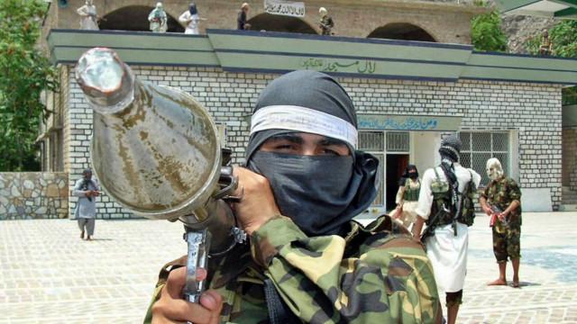 İngiltere'den Pakistan'a: Taliban yönetimini tanıma!