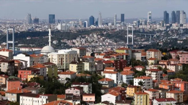 Ev kiralarında fahiş artış: Bin liralık ev 2 bin 500 lira oldu