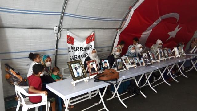 HDP önündeki ailelerin evlat nöbeti 726. gününde