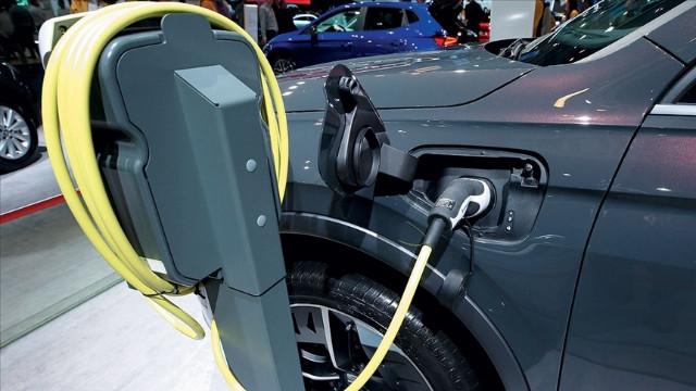 2032'ye kadar Satılan binekli araçların yarısı elektrikli olacak