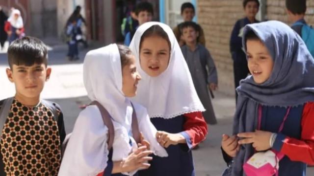 Taliban kız öğrenciler için şartını açıkladı!