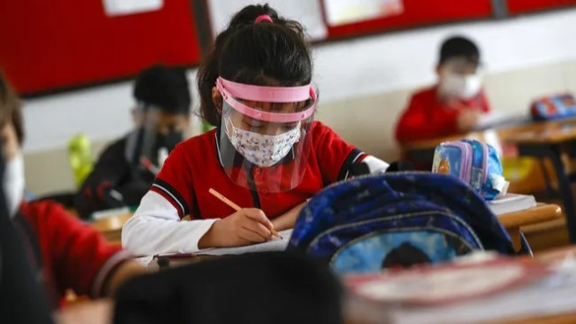Bakan Özer bu detayı ilk kez açıkladı! İşte okullarda yüz yüze eğitime devamlılık oranı