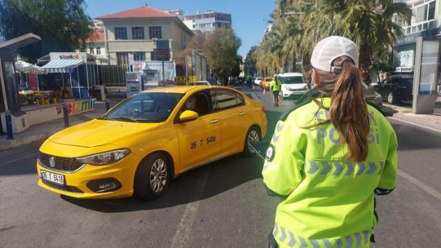 Sivil polisler yolcu kılığında taksi denetledi: Ceza yağdı