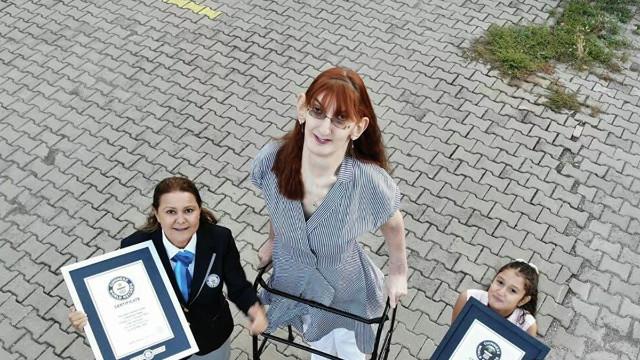 Dünyanın en uzun boylu kadını Karabük'ten çıktı