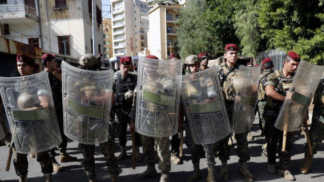 Beyrut'ta protestoculara ateş açıldı: Ölü ve yaralılar var
