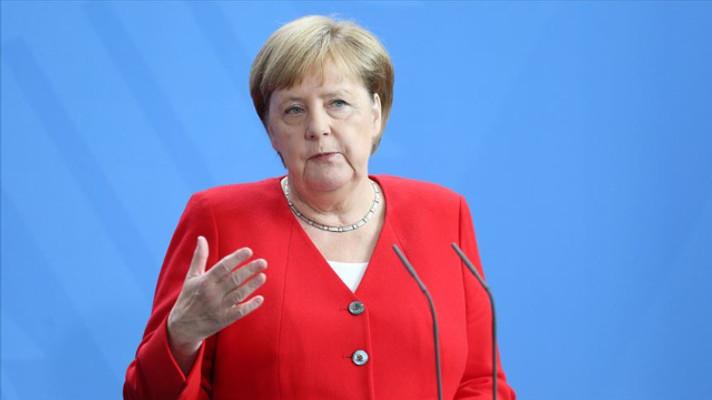 Merkel: Türkiye'ye ek yardımda bulunmaya hazırım