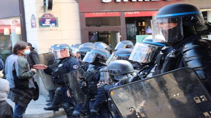 Fransa'da aşı karşıtlarından protesto