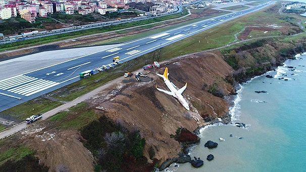 Trabzon Havalimanı'nda yolcu uçağı pistten çıktı - Page 4