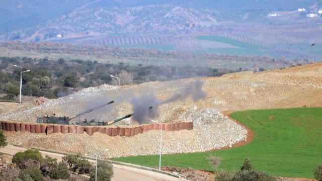 Son dakika Afrin haberleri... Zeytin Dalı Harekatı'nın 3. gününde 11 köy teröristlerden kurtarıldı!