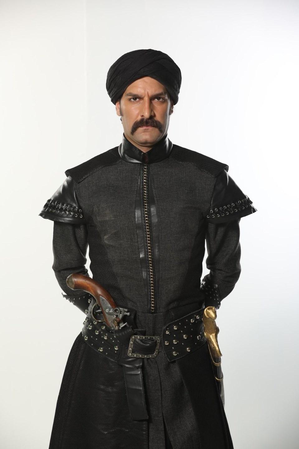 Kalbimin Sultanı Musa, Silahtar Ağa, Taner Rumeli kimdir?