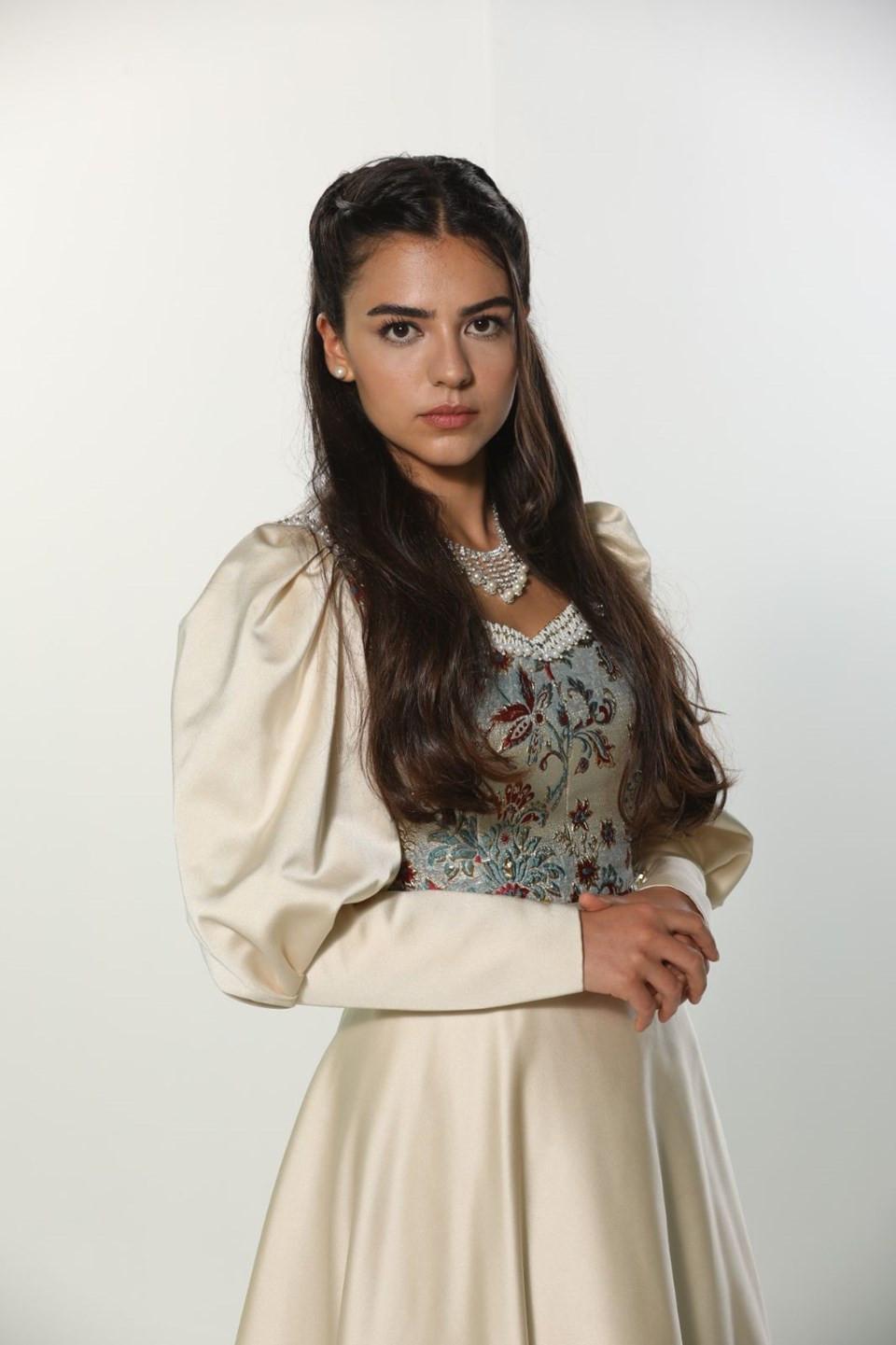 Kalbimin Sultanı Saliha Sultan, Aslıhan Malbora kimdir?