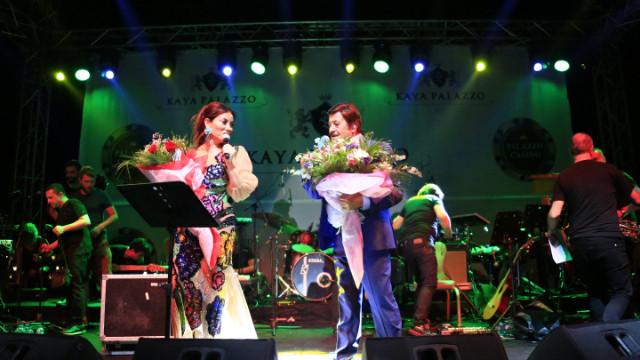 Selami Şahin bayram konserinde Aşkın Nur Yengi ile düet yaptı
