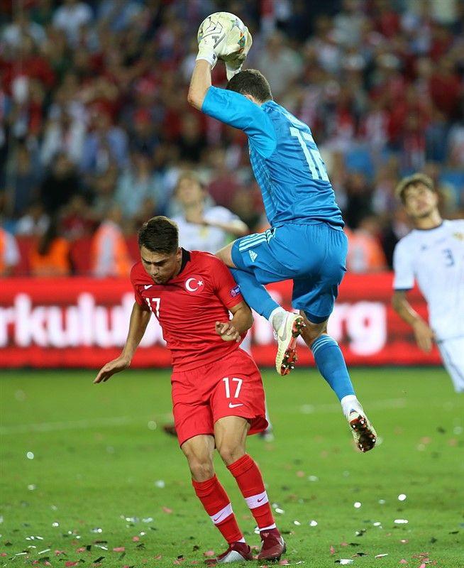 Lucescu'dan sert açıklama: Aptalca bir gol yedik - Page 1