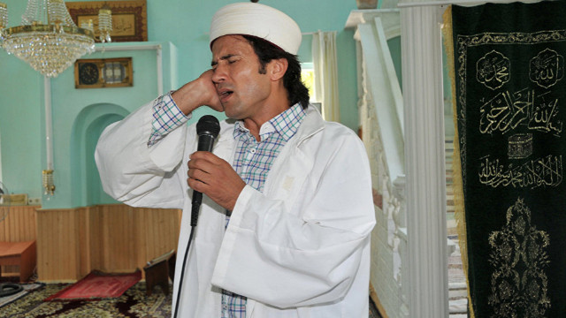 Meslekten ihraç edilen 'rockçı imam' konuştu