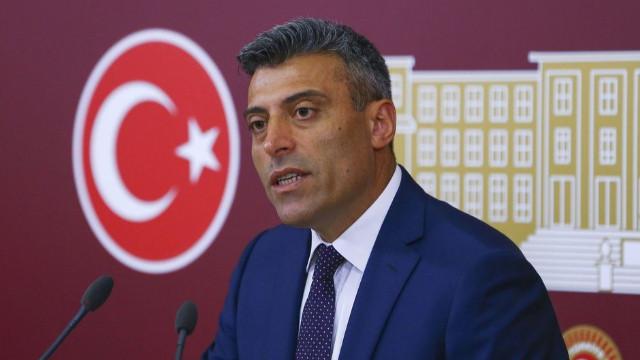 Ahmet Hakan'dan 'Türkçe ezan' tepkisi