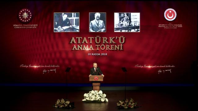 Cumhurbaşkanı Erdoğan: Türkçe ezanın savunulması o döneme özlemdir