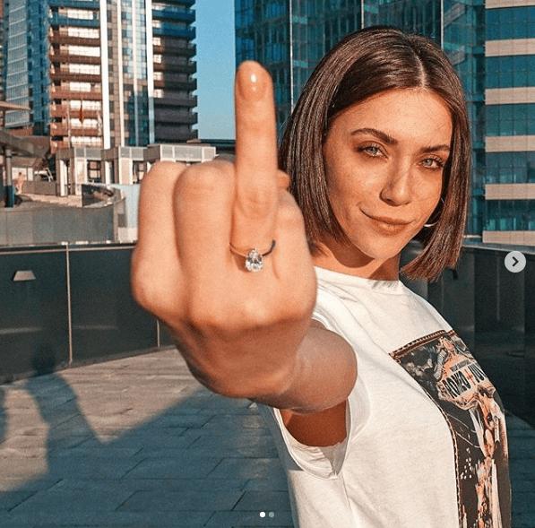 Fulya Zenginer evleniyor - Page 1