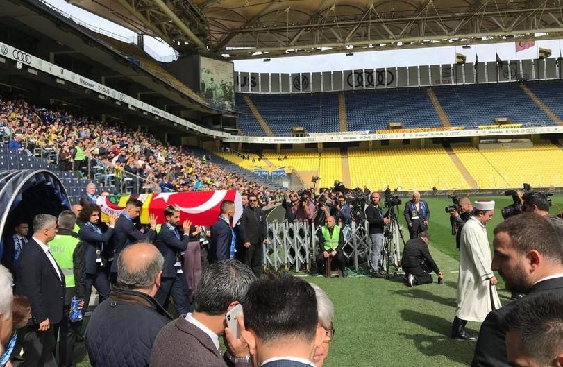 Can Bartu Ülker Stadı'nda yapılan törenle son yolculuğuna uğurlandı - Page 4