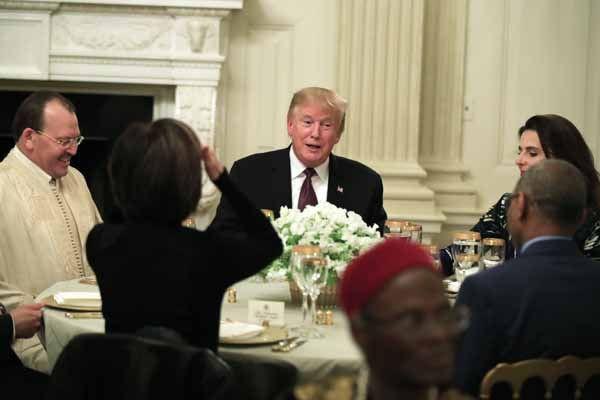 Trump, Beyaz Saray'da iftar verdi - Page 2